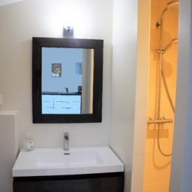salle-de-bain-studio-colonel-chateau-lavalade-tarn-et-garonne