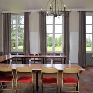 salle-de-reunion-seminaire-chasselas-chateau-lavalade-tarn-et-garonne