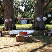deco-à-l'extérieur-sous-arbre-photos-mariage-12-août-château-lavalade