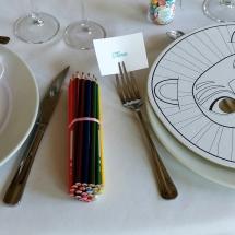 deco-table-enfants-masque-à-colorer-mariage-12-août-chateau-lavalade