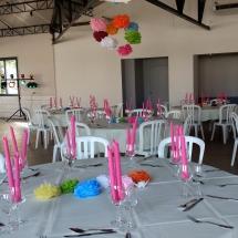 deco-tables-couleurs-fleurs-mariage-03-aout-chateau-lavalade