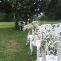 deco-chaises-arche-parc-magnolia-chateau-lavalade