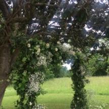 arche-ceremonie-parc-mariage-chateau-lavalade