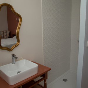 douche-chambre-d-hote-chateau-lavalade-tarn-et-garonne-mariage-seminaire