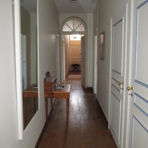 couloir-chambre-d-hote-chateau-lavalade-tarn-et-garonne-mariage-seminaire