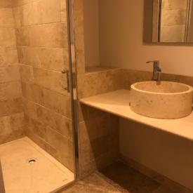 salle-de-bain-muscat-gite chasselas-chateau-lavalade-tarn-et-garonne-mariage-seminaire
